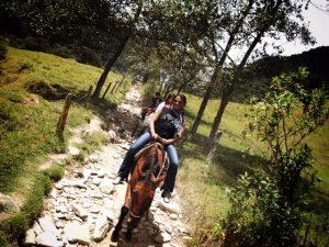 Paseo a caballo para descubrir el paisaje cultural cafetero