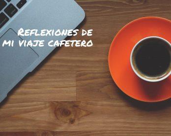 Taza de café en un catalán en la tierra de Juan Valdez