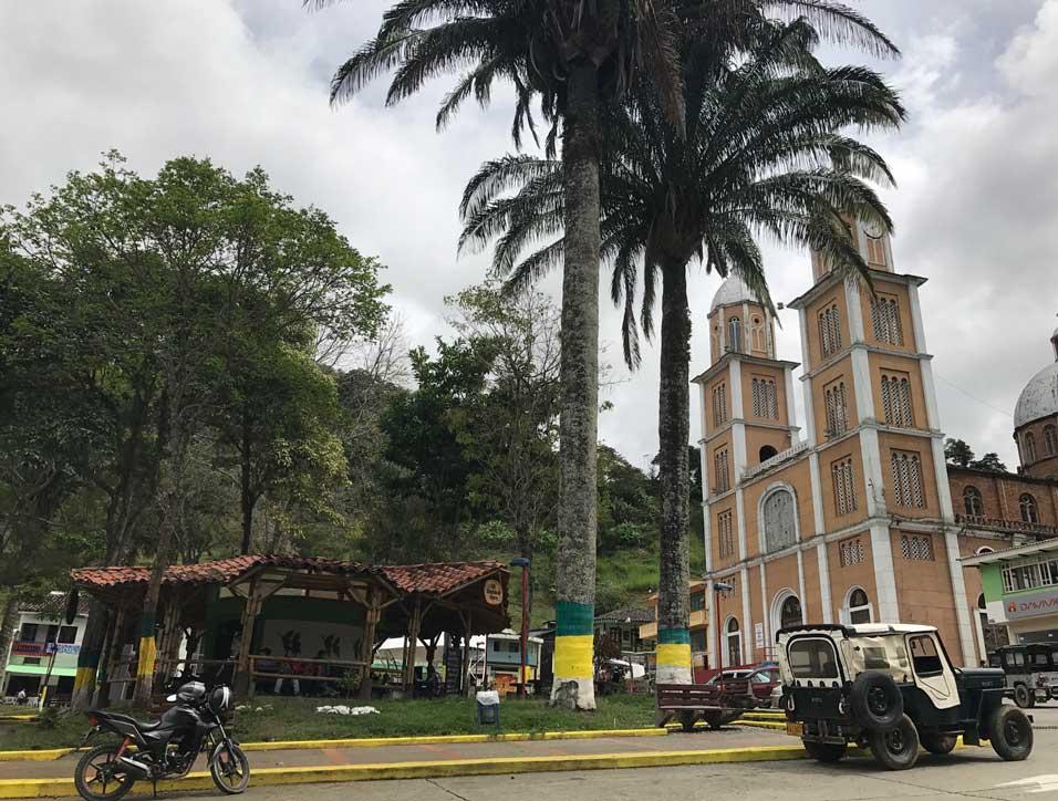 El Café Origen Génova en la Plaza de Bolivar de Génova