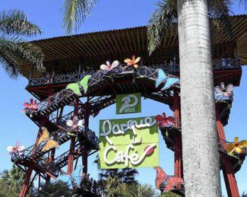 mejores hoteles cerca del parque del cafe