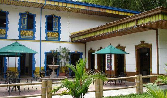 Plaza de Bolivar en el Parque Nacional del Café