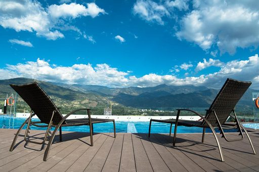 terraza piscina allurre mocawa mejores alojamientos